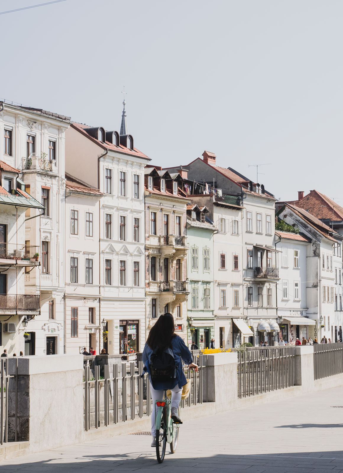 9 reasons locals call ljubljana their 39 little paris - Little green paris ...