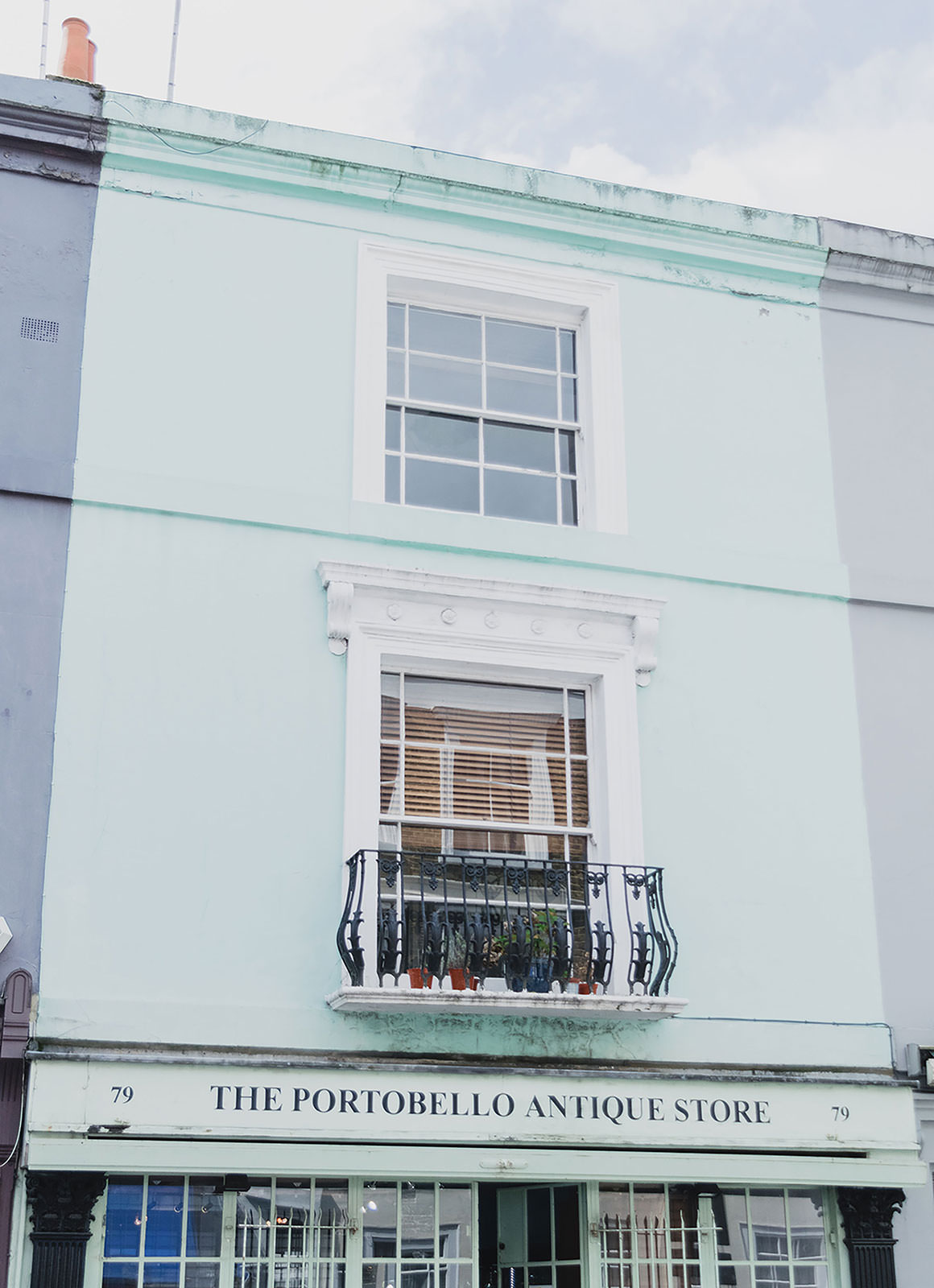 Prettiest Places to visit in London - Portobello Market