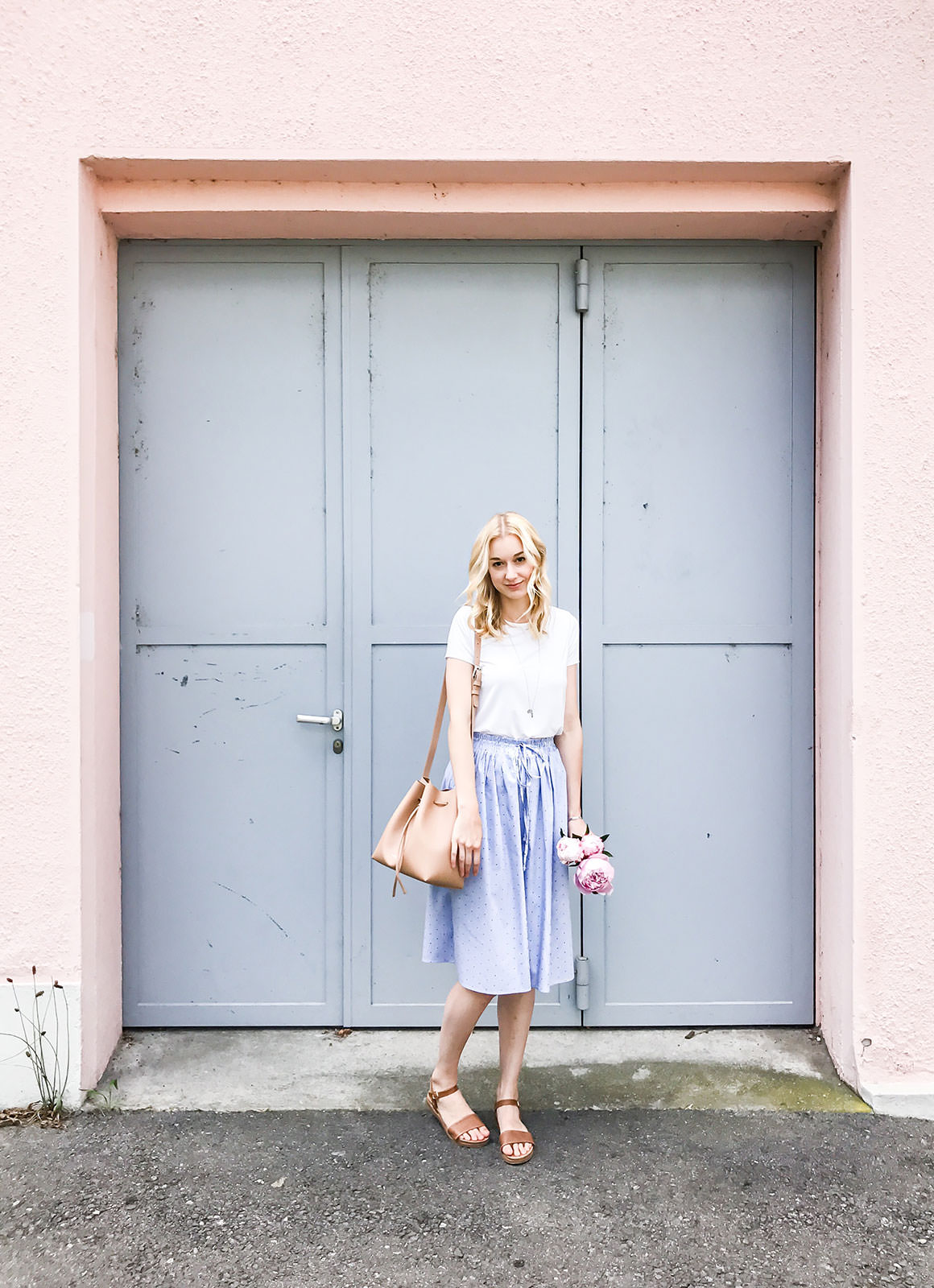 Pastel blue and tan outfit - Tip for trying a new look