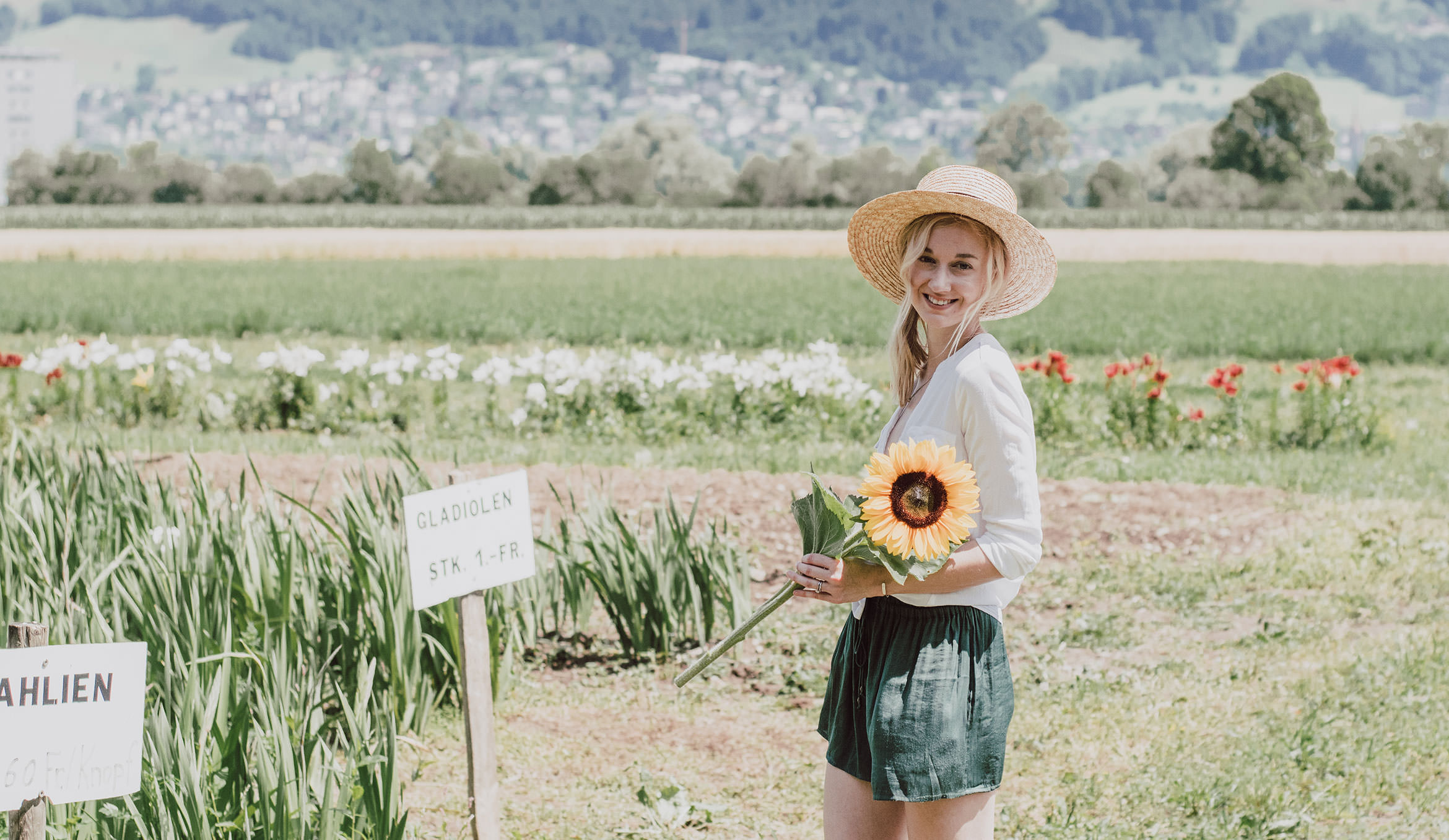 Sunflower Field - Green Shorts Outfit
