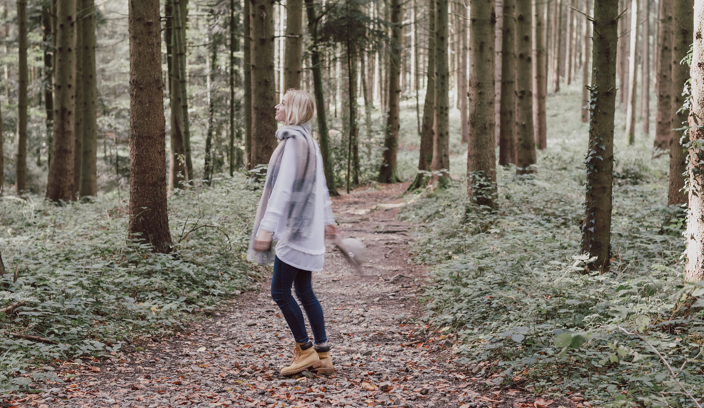 Autumn Outfit - 3 Simple Way to get Back on Track to Feeling Happy