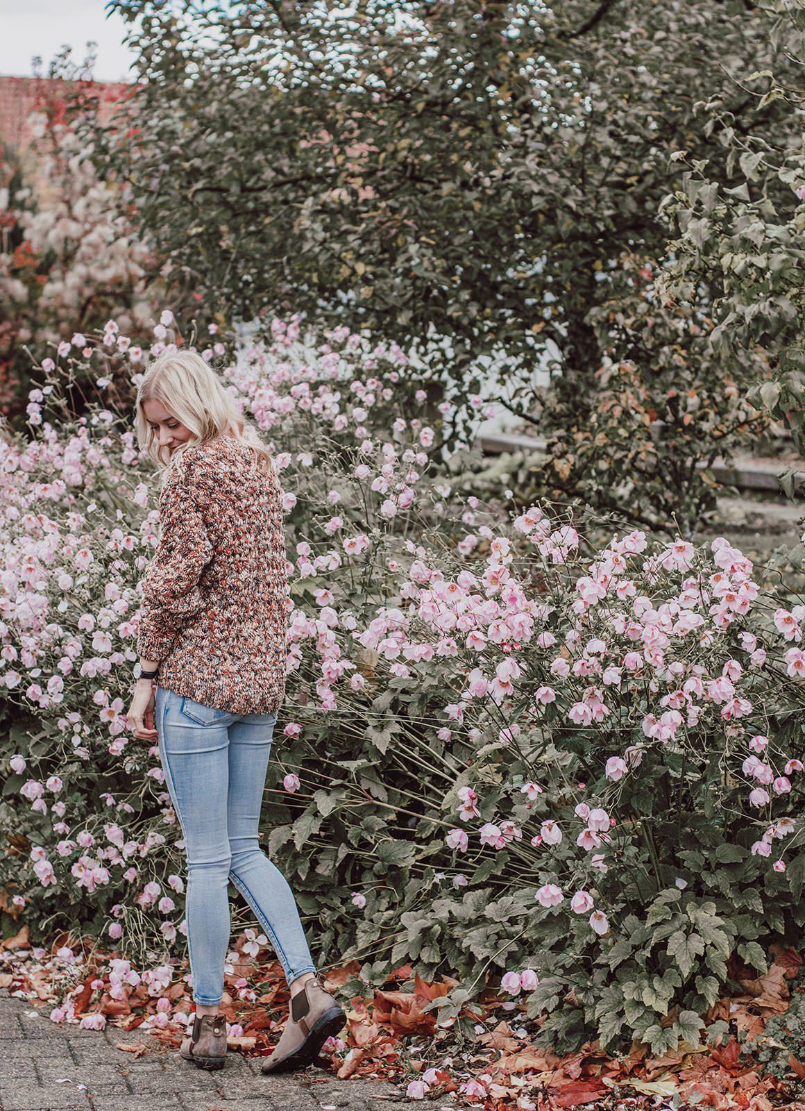 Autumn capsule wardrobe - multi sweater outfit